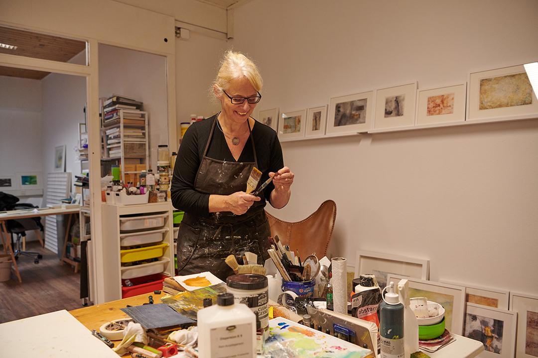 Kreativität ist Lebensmittelpunkt: Dagmar Reiche in ihrem Atelier
